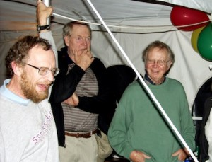 Medill photo The late Gary Comer funded an innovative climate change research program (l to r) that Penn State geoscientist Richard Alley, University of Maine glaciologist George Denton and Columbia University geochemist Wallace Broecker helped coordinate through fellowships at 31 institutions. Continuing funding backs inventive young researchers to fill gaps in the science.