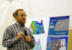 Medill   Richard Alley, geosciences professor of Pennsylvania State University, served as emcee as leading climate scientists gathered for the Comer Conference. Alley has traced climate change  in what he calls a time machine of ice cores that trap ancient pockets of air.