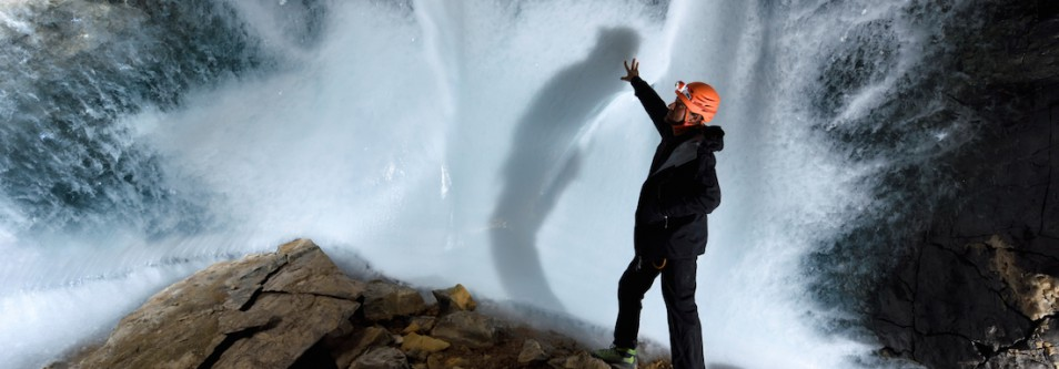 GREENLAND CAVES COULD HOLD CLUES FOR CLIMATE CHANGE